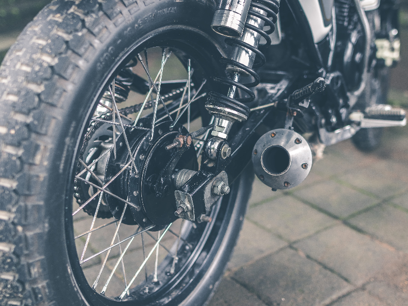 How to change a motorbike tire